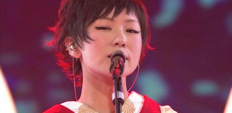 シンガーソングライターとして多くのファンがいる椎名林檎さんですが、プライベートでは映像ディレクターの児玉裕一さんと事実婚状態ということで知られています。